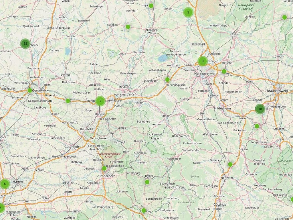 Landkarte von Niedersachsen mit verzeichneten möglichen Standorten für Schnellladepunkte.